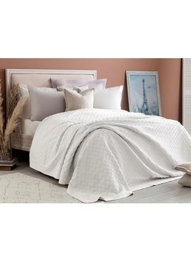 Madame Coco Evelyn Çift Kişilik Yatak Örtüsü Beyaz
